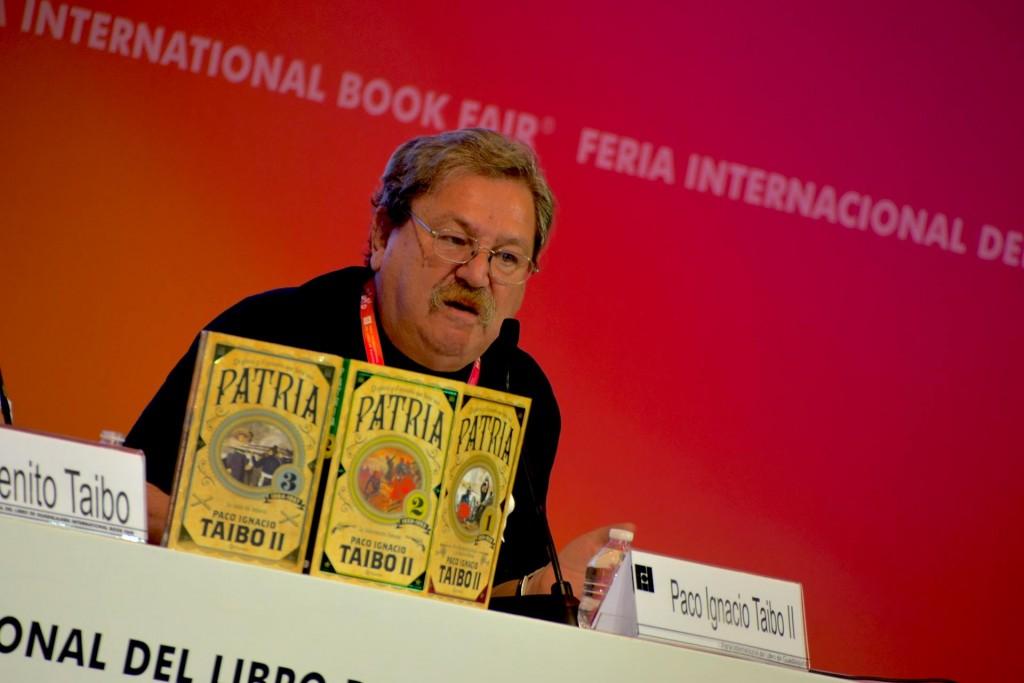 Paco Ignacio Taibo Mexico escritor