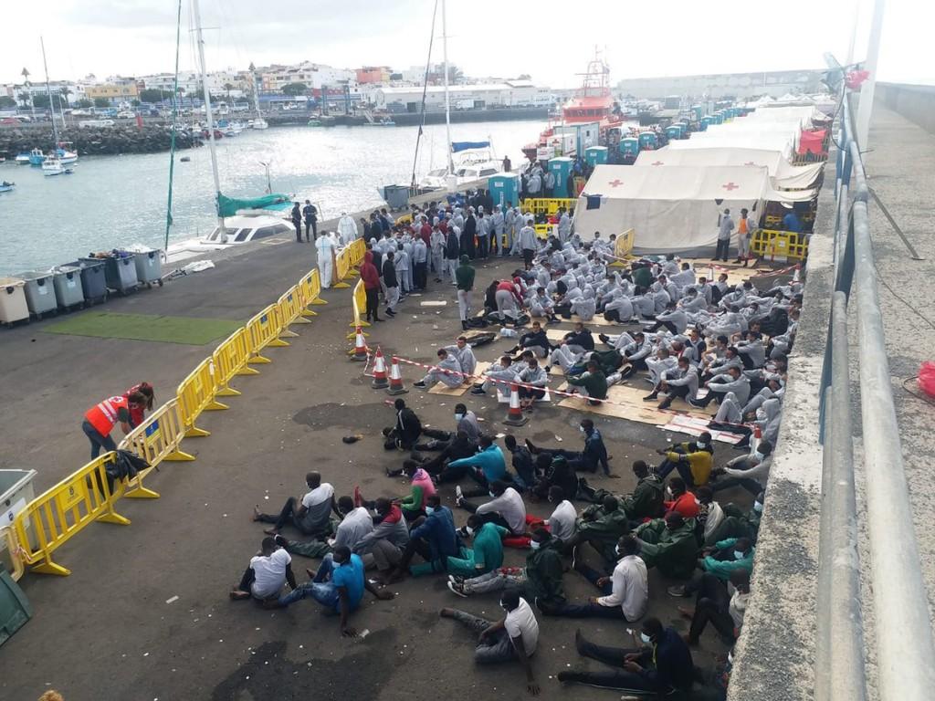 CEAR_Migrantes en Muelle Arguineguin Canarias_22-10-2020