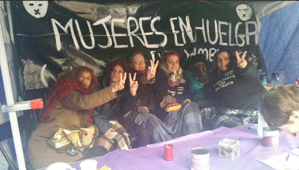 Mujeres en huelga de hambre en Sol contra la violencia machista -febrero 2017