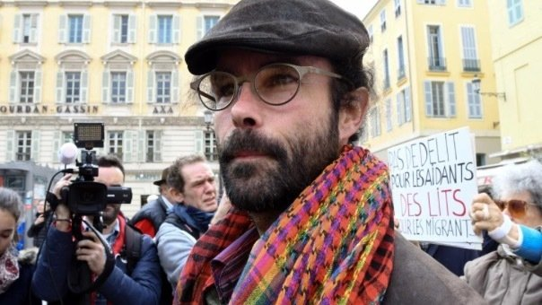 Cédric Herrou agricultor activista absuelto tras ayudar a solicitantes asilo