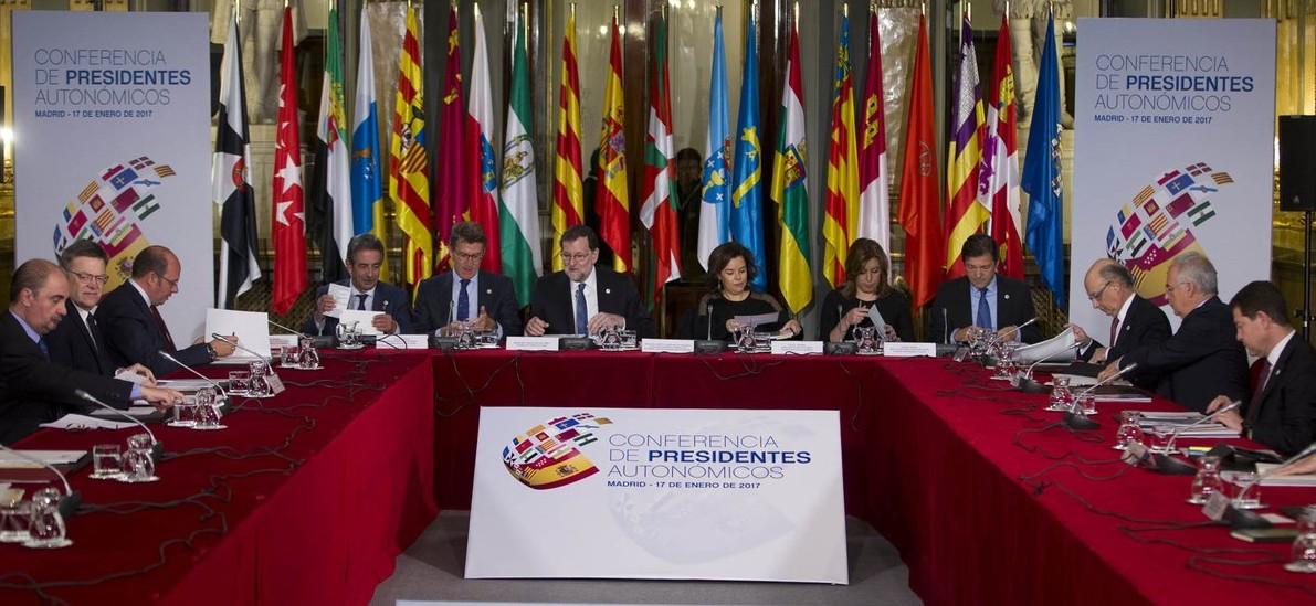 Conferencia de Presidentes Autonómicos (Rajoy, Revilla, Susana Diaz, Saenz de Santamaría, Montoro,...)