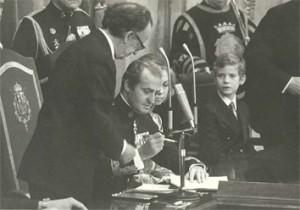 Sanción regia de la Constitución de 1978 por el Rey Juan Carlos I