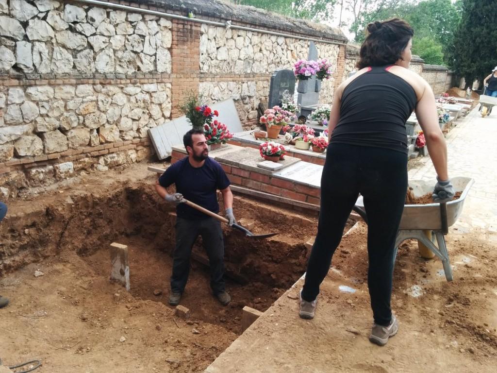 Exhumacion en Cementerio Guadalajara de Timoteo Mendieta y unos 20 mas_9-5-2017