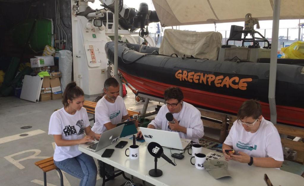 La Cafetera en el Rainbow Warrior de Greenpeace