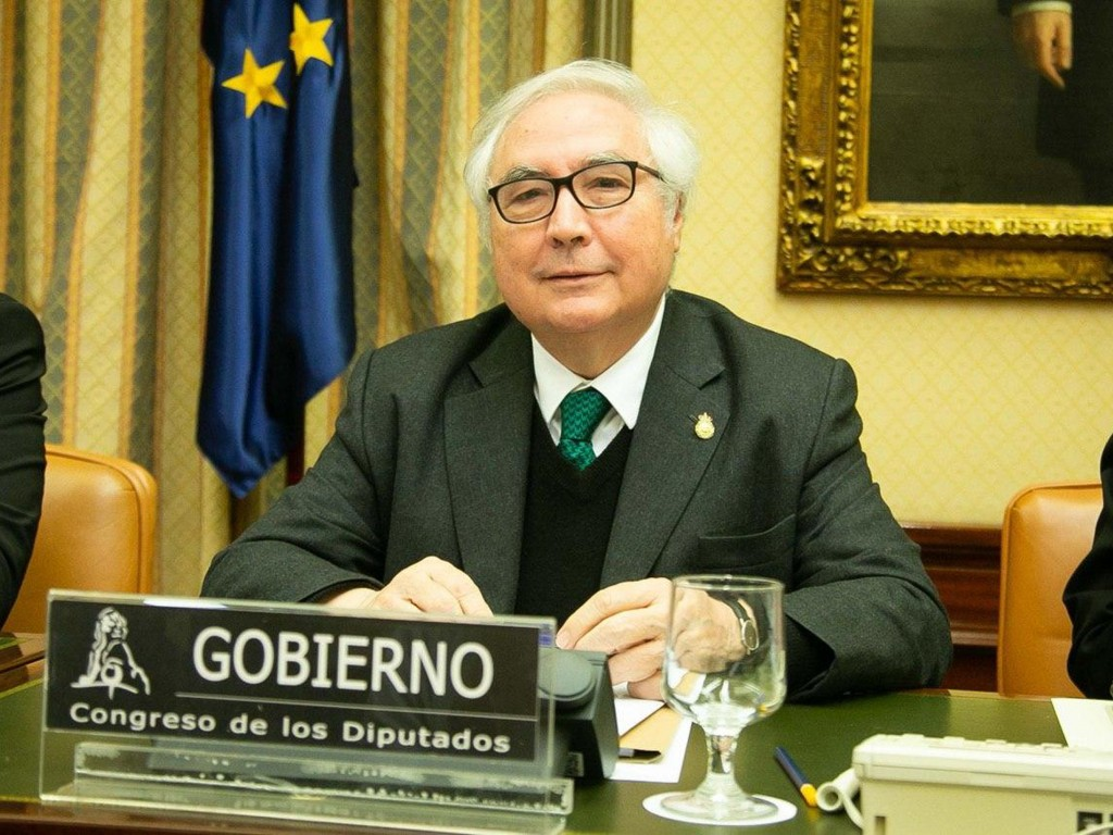 Manuel Castells Ministro Universidades