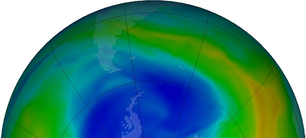NASA Visualización de la capa de ozono sobre la Antártida en septiembre de 2019. Los colores púrpura y azul muestran las áreas de mayor reducción de la capa de ozono