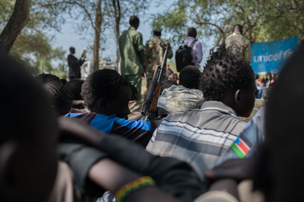 145 niños fueron desarmados en Pibor, Sudán del Sur (África)  el 26 de octubre de 2016. UNICEF/Charles Lomodong
