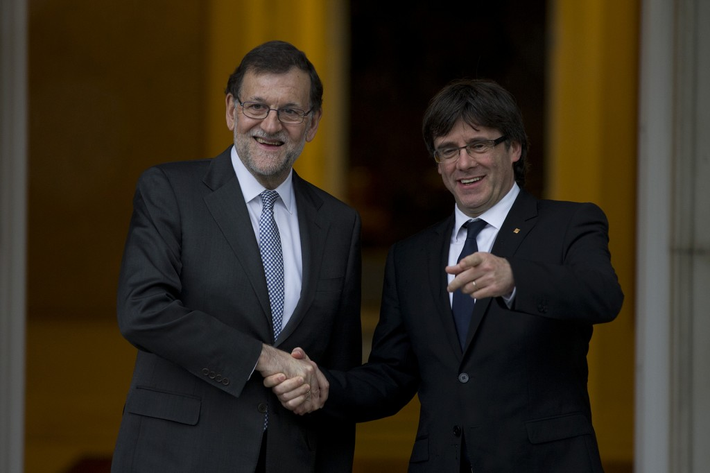 Rajoy y Puigdemont el 20 de abril de 2016 en Moncloa