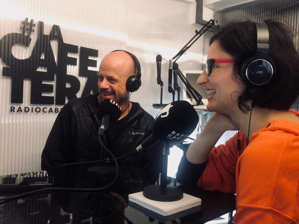 Laura y Ruben del blog de viajes  Algo que recordar en La Cafetera radiocable