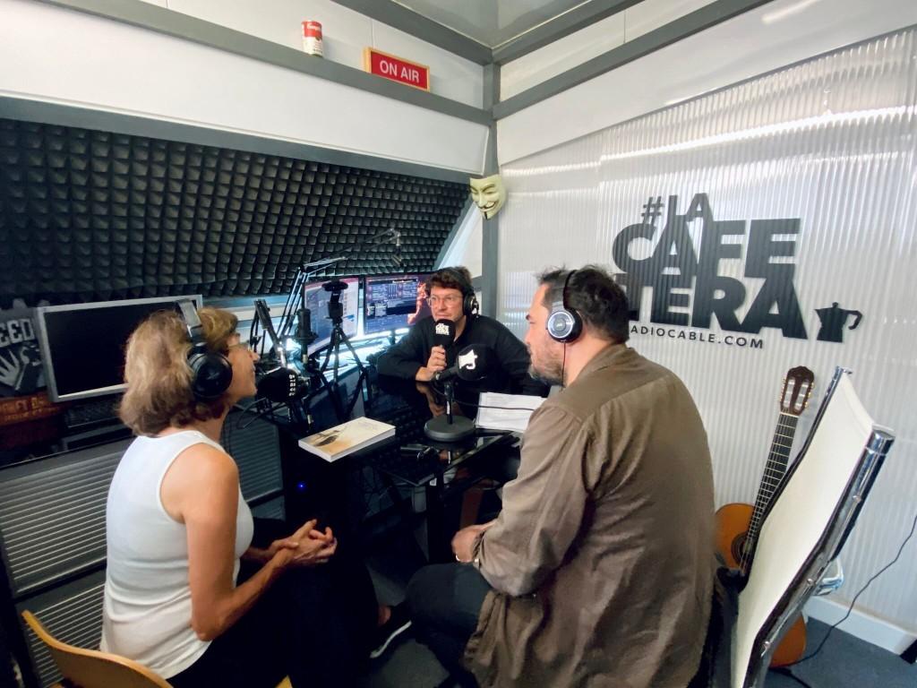 Pilar del Río e Ismael Serrano en La Cafetera