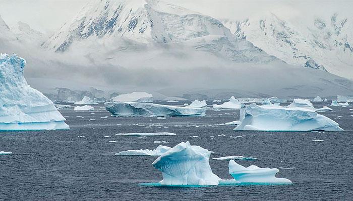 antartida-iceberg-mar