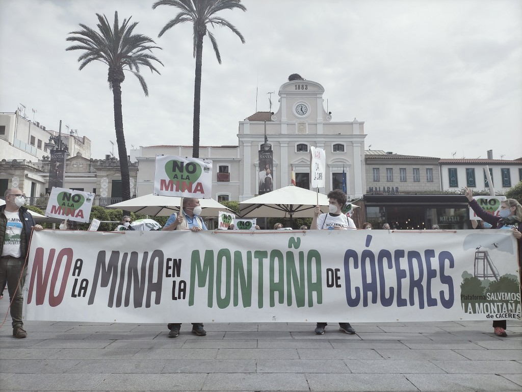 -caceres mina litio protesta en contra - Plataforma Salvemos la montaña