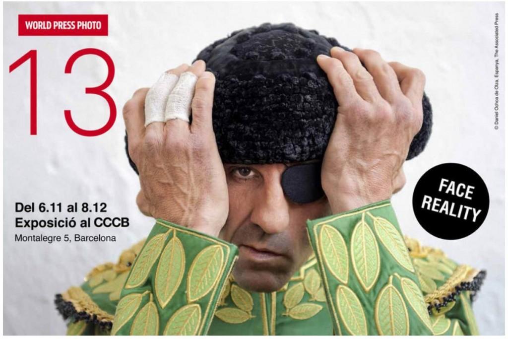 Cartel del World Press Photo con instantánea del torero Juan José Padilla (del autor Daniel Ochoa de Olza )