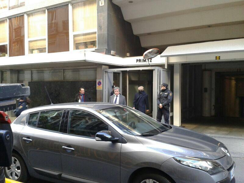 Billy El Niño, a su salida de la Audiencia Nacional, donde la esperaba un automóvil con conductor