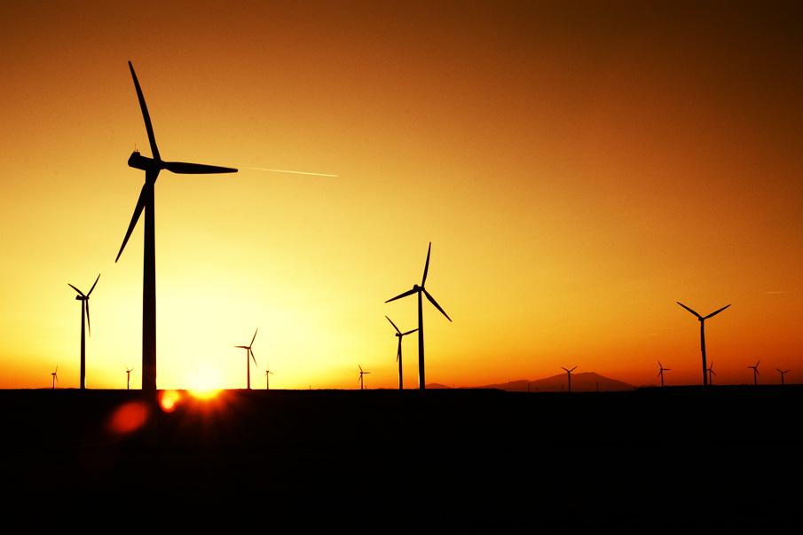 parque-eolico-sol-puesta