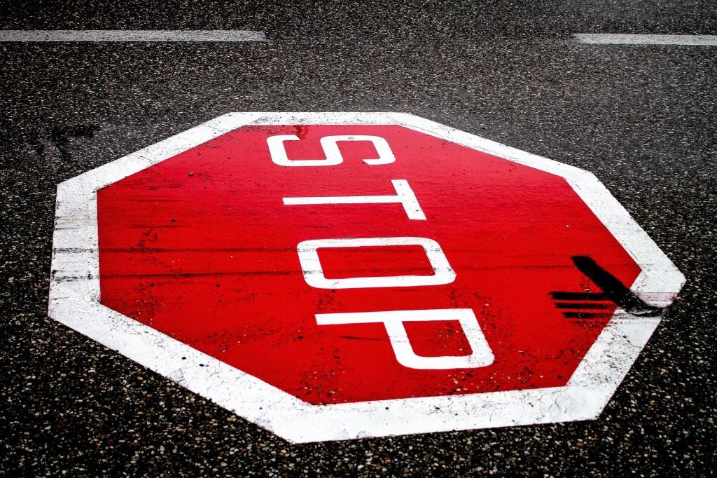 stop-2660762_1920